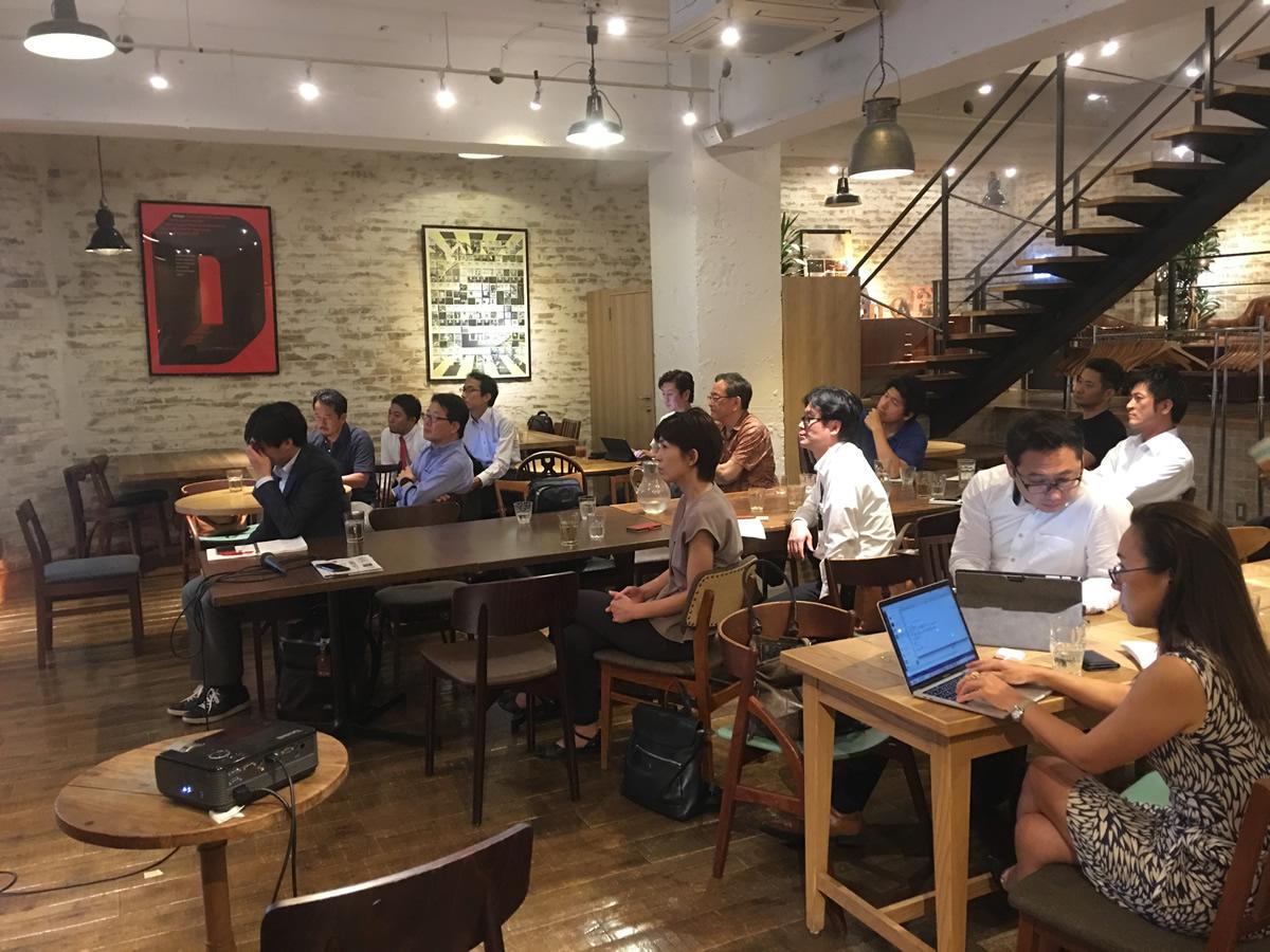 https://keio-emba.jp/cafe/about/embacafe_12_3.jpg